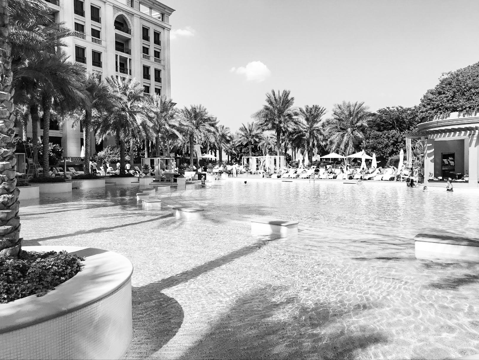 la piscina palazzo versace hotel dubai - Behind the scene